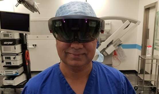 Virtual reality connects surgeons from across the globe